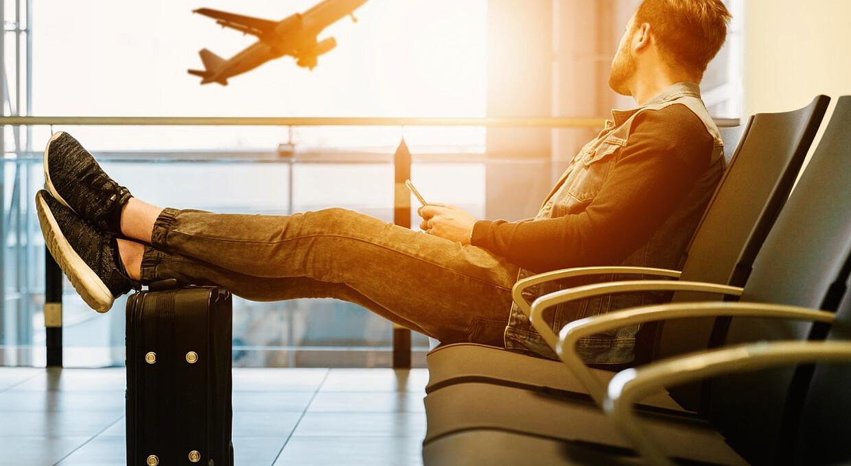 Як повернути гроші за скасований рейс. Інструкція для пасажира, який застряг на відпочинку