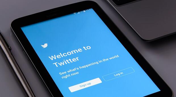 Twitter приступил к тестированию отправки микроплатежей в биткоинах