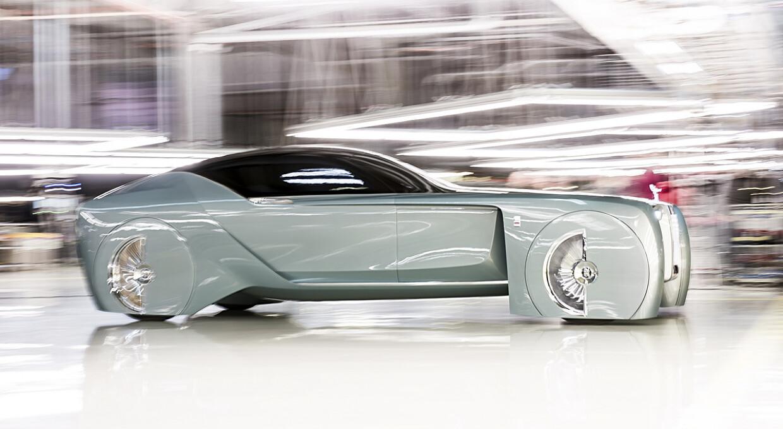 Сегодня презентуют новый электромобиль Rolls-Royce Spectre
