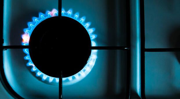 Газ в Европе скорректировался до $1400. В чем причина и кто разгоняет ценовые качели