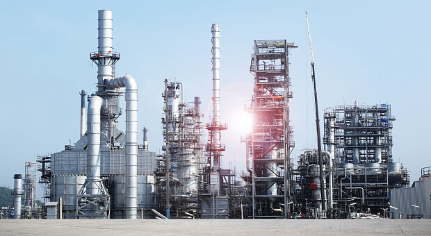 Дорогий газ в Україні зупиняє промислові підприємства і змушує напружуватися АЕС