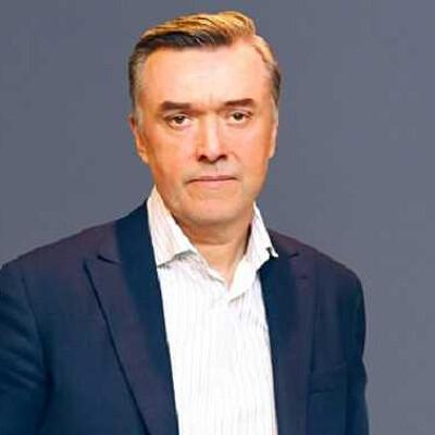 Yevhenii Yermakov Profiles on The Page