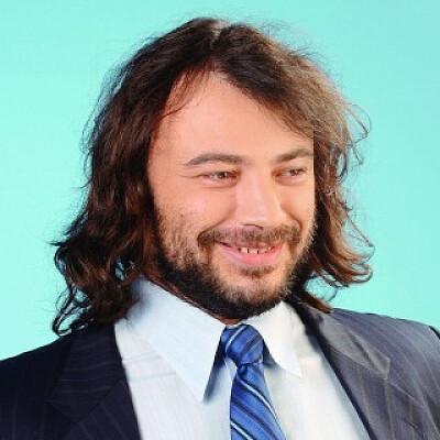 Volodymyr Kostelman Profiles on The Page
